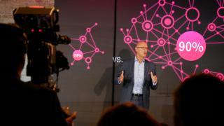 """Glasfaser-Offensive: Telekom will """"alle Haushalte in Deutschland anbinden"""""""
