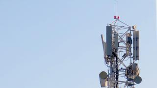 Diverse Antennen auf Mast
